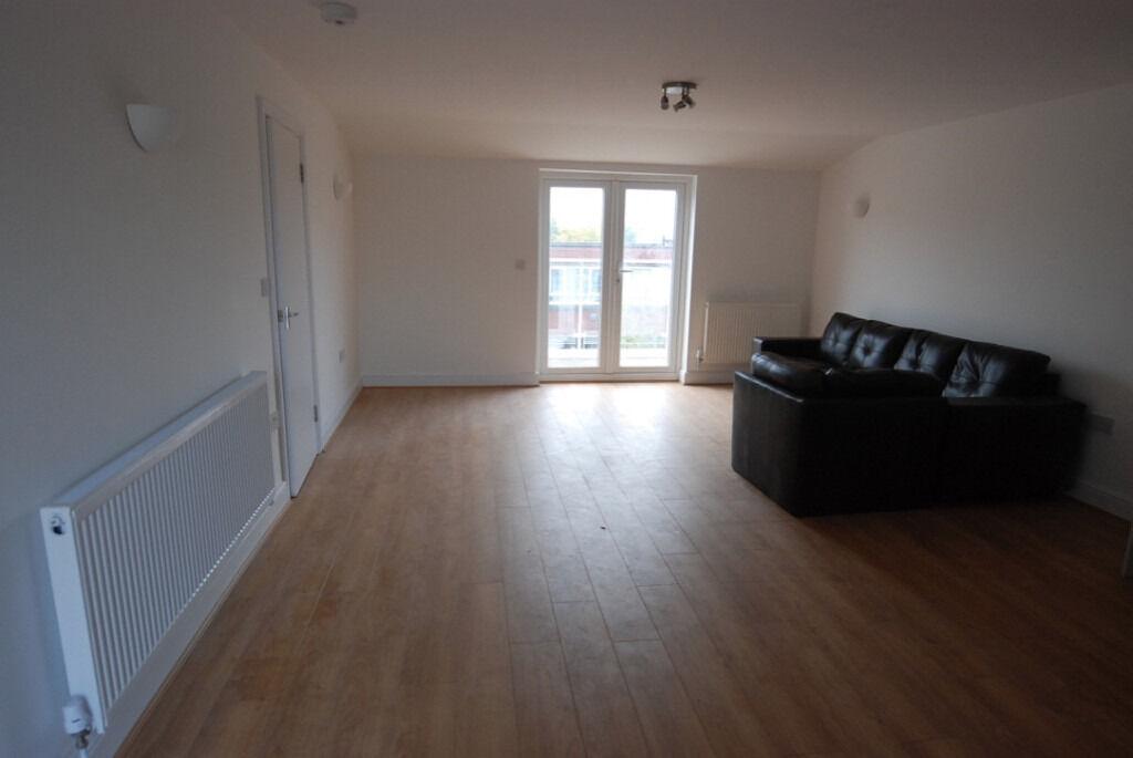Modern 4 bedroom property on Caledonian road