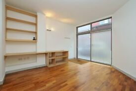 2 bed, 2 bath Apartment situated in Carysfort Road Gated development Red Square* Ideal location