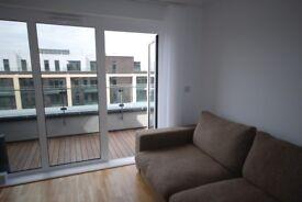 1 Bedroom Flat to rent Enterprise Way-NO FEES