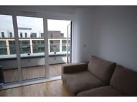 1 Bedroom Flat to rent Enterprise Way-NO FEES