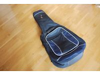 Acoustic guitar padded gig bag with backpack straps