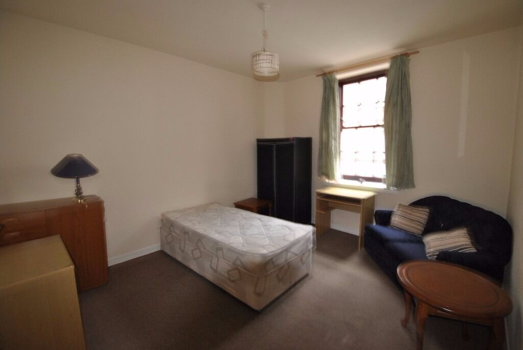 . STUDIO FLAT TO RENT   BAKER STREET  STIRLING   in Stirling   Gumtree