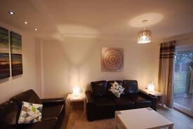 Lovely Double rooms in a 4 bedroom house. Just refurbed to a very high standard