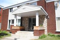 CLOSE TO RIDEAU RIVER -HIKE, BIKE, RUN! 3 BED- DON'T MISS OUT!