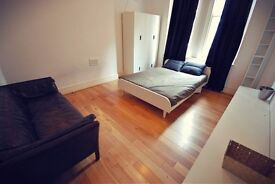 ***A Gorgeous Flat In Top Location Available For Short Let***