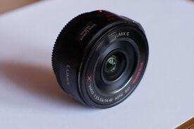 Panasonic Lumix GX Vario 14-42mm pancake lens + automatic lens cover
