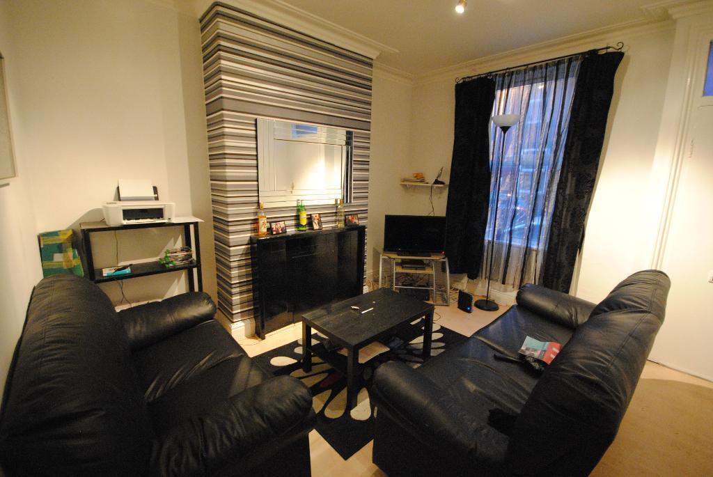 3 bedrooms in 21 Welton Grove  Leeds  Leeds  Leeds  LS6 1ES