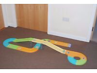 DOUBLE SUPERSPEED ELECTRIC RACING TRACK £6 PLUS CARS RACING TRACK - £10