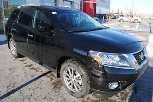 2014 Nissan Pathfinder SV *No Accidents, One Owner*