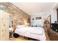 Stunning, 3 Double Bed 2 Bath house on Welmar Mews, Clapham, SW4