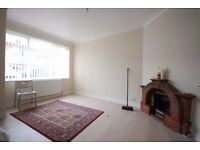 Nice 2 bedroom flat with communal garden - Available now