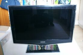 "Samsung 32"" colour TV and dvd player"