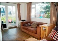 VERY SPACIOUS 2 DOUBLE BEDROOM FIRST FLOOR FLAT WITH GARAGE AND BALCONY SITUATED IN ALUM CHINE
