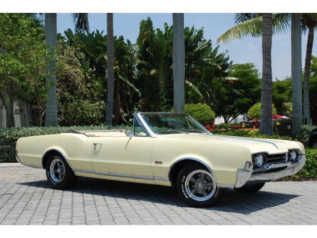 1967 Oldsmobile Cutlass Supreme Convertible Saffron Yellow 400CID V8 Auto A/C