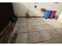 2 Bedroom newly renovated bunglow. Perfect for professionals!!!