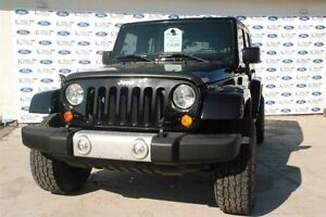 2012 Jeep WRANGLER UNLIMITED Sahara*Manual*Leather