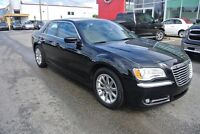 2013 Chrysler 300 Touring. TOIT PANORAMIQUE,CUIR