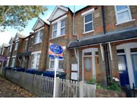Modern 1 Bedroom Flat in Hanwell with Private Garden