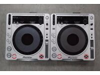 Pioneer CDJ-800MK2 Pair of Decks £525
