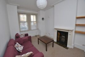 Spacious Ground Floor Maisonette in Hanwell with Private Garden