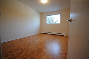 GREAT LOCATION!  3 Bed Garden Home Close to Downtown!