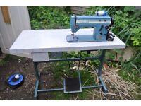 Singer 20U Zig Zag industrial sewing machine