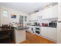 Furnished 2 Bedroom Apartment situated in N1 with GARDEN.. off of Upper Street**