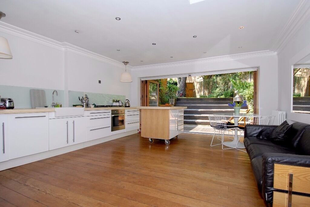 *** stunning fully refurbished four bedroom family house to rent, Edison Road, N8 ***