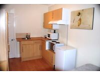 Superb Modern Single Bedsit located in Syon Lane/ Isleworth /all Bills Included & furnished