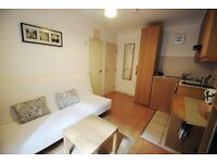 Attractive studio in West Kensington *All utility bills, Wifi and Sky TV are included*