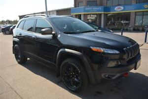2015 Jeep Cherokee TRAILHAWK/LEATHER SEATS/NAV/PANO ROOF/CAMERA