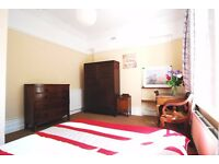 Bay Windows, Harrods Furniture - Sumptuos Double Room - West Hampstead