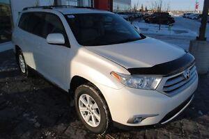 2013 Toyota Highlander V6 w/ Leather *No Accidents, Remote Start