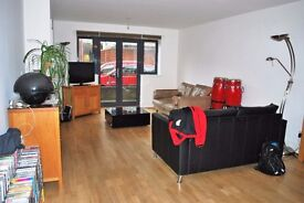 Stunning, modern, spacious 2 double bedroom 2 bathroom apartment with patio in fantastic location