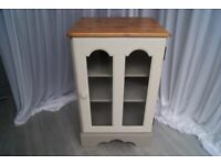 Cabinet / Shelving/ Display Cabinet