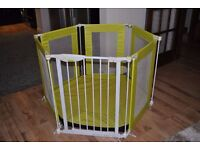 Playpen with gate and floor mat