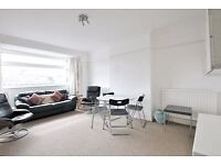 The Vale - Lovely two double bedroom 1st floor flat in great location and off street parking