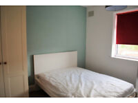 *NO AGENCY FEES TO TENANTS* Double bedroom available in refurbished, four bedroom property in Filton