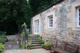 Cottage - 1 bedroom - unfurnished - garden and private parking - central Dunfermline location