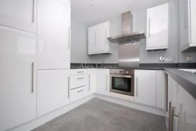 2 bedroom flat in Fleet Street, The City