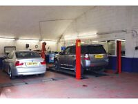 EXPERIENCED MOTOR MECHANIC TO WORK IN MEDIUM SIZED INDEPENDENT GARAGE .