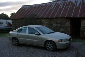 Volvo Saloon,Gold Colour, Roof Light Towbar,