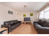 AVAILABLE 2 Bed Maisonette in Raynes Park, SW20!!THERE IS PRIVATE GARDEN