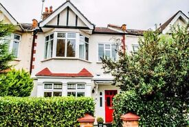 4 Bedroom House in Claygate Road, London W13