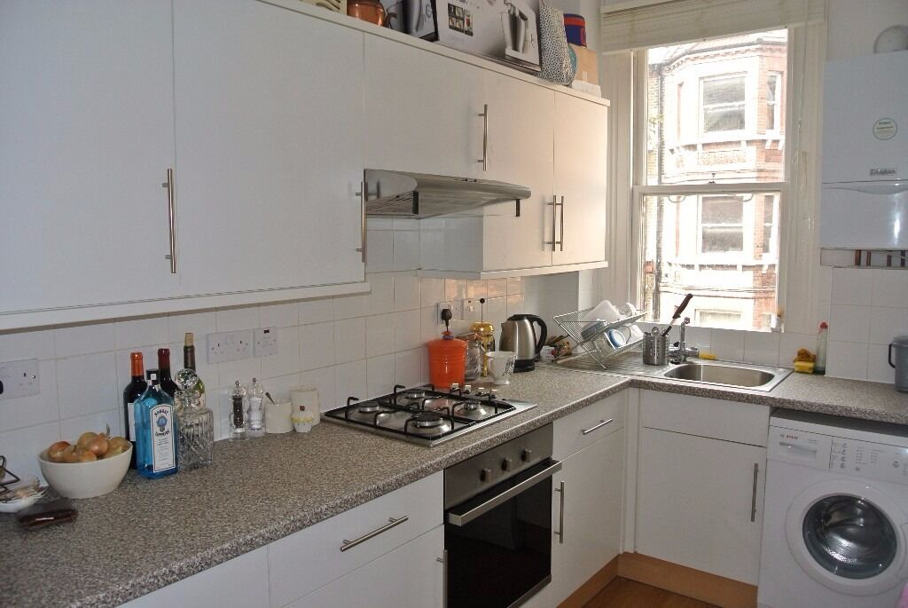 Recently refurbished two double bedroom on Crewdson Road, close to Oval Underground Station