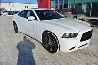 2014 Dodge Charger SXT AWD, Toit ouvrant, Navigation.
