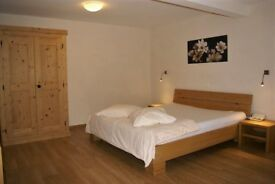 QUICK! Ideal Double Room in Stratford, near Westfield. AVAILABE NOW!!