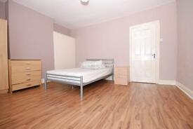 4 bedroom house in Colne Road, Winchmore Hill