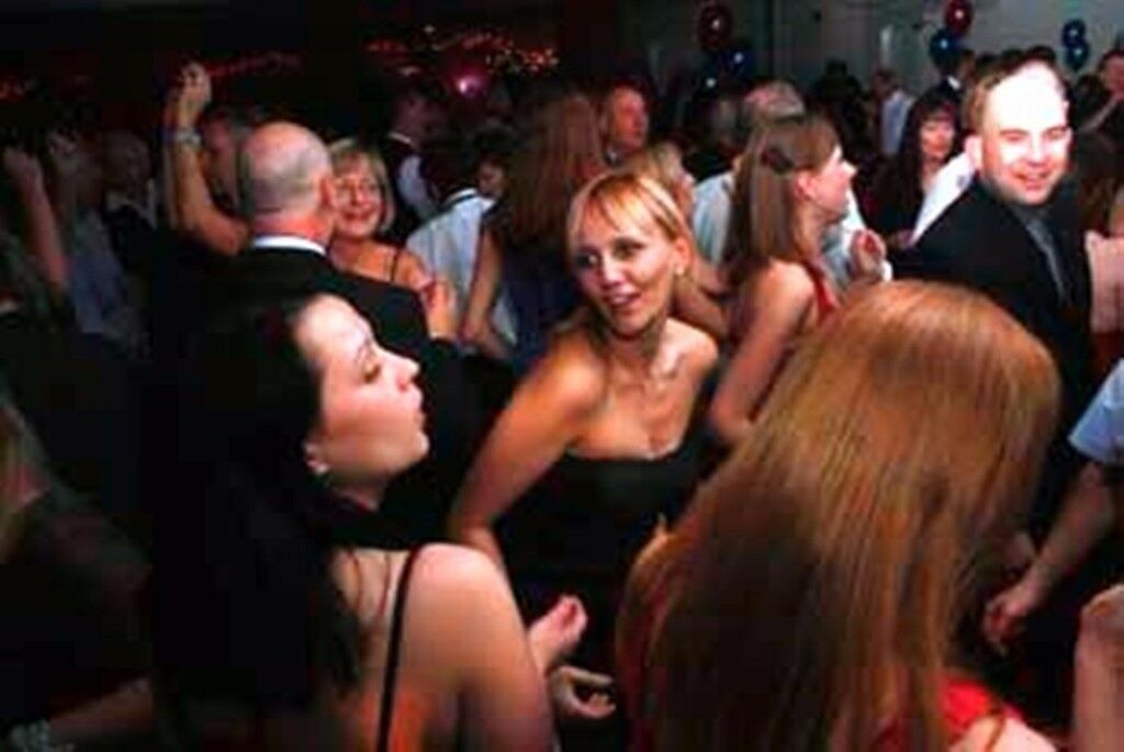 BLETCHINGLEY 30s to 50sPlus PARTY for Singles & Couples - Friday 20th October