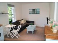 ***STUNNING MODERN 1 BEDROOM FIRST FLOOR FLAT WITH PARKING IN WESTBOURNE***